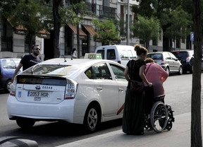 Famma pide que el aumento de la flota de taxis adaptados sea una realidad antes de 2017