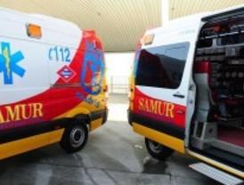 Muere un motorista en Aluche después de chocar contra dos coches aparcados