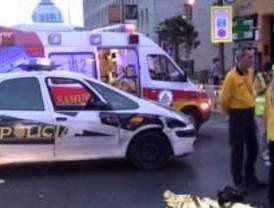Muere un joven al estrellar su moto contra un taxi, cuando huía de la Policía