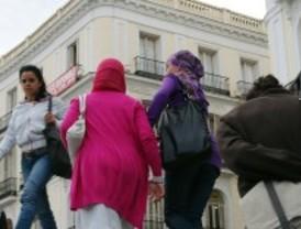 El hábito y el pañuelo islámico en la foto del DNI
