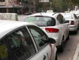 Los taxistas advierten de que la reducción de su jornada a 16 horas destruiría 5.000 empleos