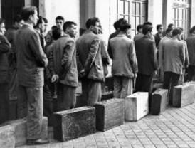 Imágenes de un siglo en España: una mirada a la historia y la vida cotidiana