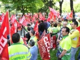 Los trabajadores de limpieza viaria se concentran en Sol días antes de iniciar una huelga indefinida