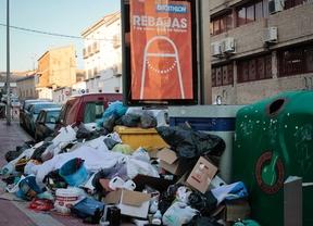 Indignación entre los vecinos de Parla tras 10 días de huelga de basuras