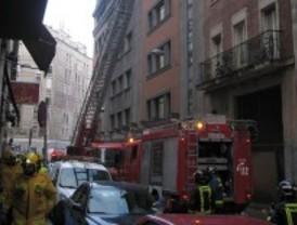 Tres heridos en el incendio de una vivienda en la calle Silva