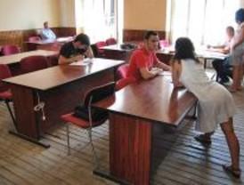 Los profesores madrileños sufren cada día más insultos y salen más en Internet