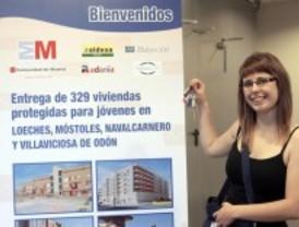 Entregadas 329 viviendas del Plan Joven de la Comunidad, con un precio de 490 euros al mes