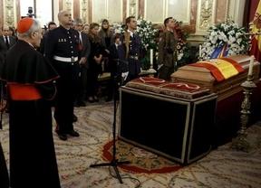 Más de 30.000 personas dan el último adiós a Suárez