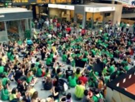 Los padres protestan en Atocha por la subida del precio de las guarderías