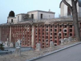 Exhuman 3.400 cuerpos infantiles en La Almudena