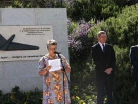 Inaugurada una escultura en homenaje a las víctimas del accidente aéreo de Barajas