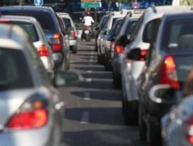 Lunes de tráfico denso
