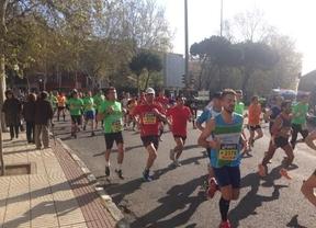 El Samur atiende a 46 corredores de la media maratón, uno de ellos en estado grave
