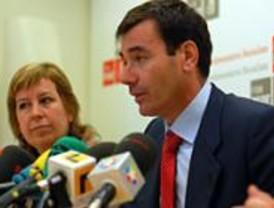 Gómez cree que Aznar sigue