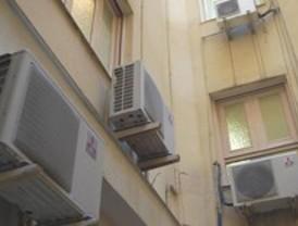 El calor de los aparatos de aire acondicionado en verano