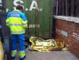 El trabajador de 64 años aplastado por un contenedor estaba a un mes de jubilarse