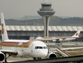 El mal tiempo provoca retrasos en los vuelos de llegada a Barajas