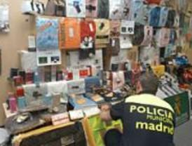 La Policía desmantela una banda de falsificación de ropa
