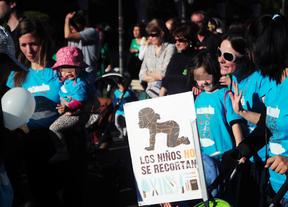 Protesta en defensa de las escuelas infantiles públicas