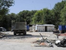 Amnistía denuncia que una niña con cáncer duerme en una furgoneta en Puerta de Hierro