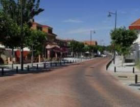 Cacerolada en Sevilla la Nueva contra la subida del IBI