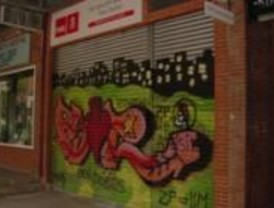 Atacan la sede socialista de Tres Cantos con pintadas