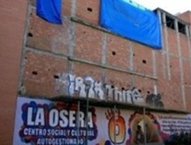 'Indignados' de Usera cumplen dos meses de 'okupas' en un teatro del Ivima