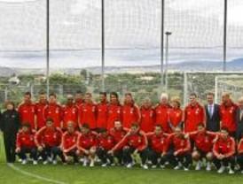 Aguirre desea suerte a la selección de fútbol para la Eurocopa