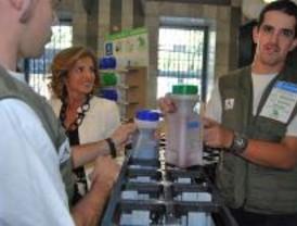 Madrid acerca el reciclaje de aceite a 800 empleados municipales
