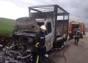 Incendio de un camión en Talamanca de Jarama