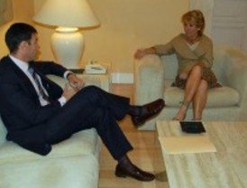 Gómez pide a Aguirre que tome medidas contra el paro y deje de lado