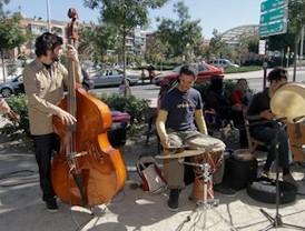 Madrid se rebela contra la pobreza con manifestaciones, música y coloquios