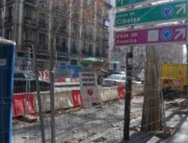 La calle de Serrano sólo tiene dos carriles desde este lunes