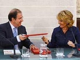 Madrid y Castilla y León compartirán sanidad y servicios sociales