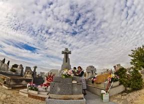Los madrileños recuerdan a sus seres queridos