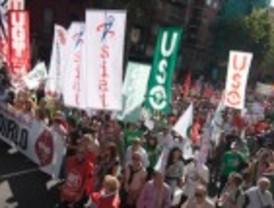 Los sindicatos miden sus fuerzas en 57 ciudades para convocar otra huelga general
