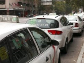 El sector del taxi denuncia alquileres fraudulentos de licencias en polígonos y talleres de la capital
