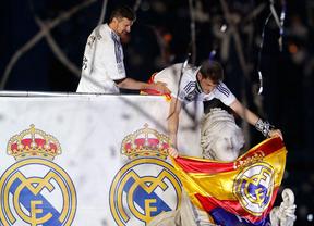 Fiesta blanca en Cibeles por el título de Copa