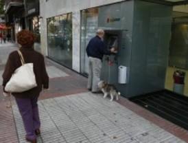Detenidos dos 'cogoteros' que robaban a ancianos cuando salían del banco