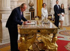 Firma de la Ley de Abdicación del rey Juan Carlos I.
