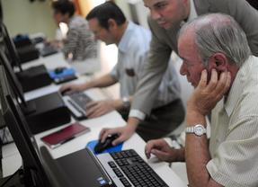 'Hablemos': un proyecto para introducir las nuevas tecnologías en los centros de mayores