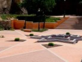 Jardines andalusíes a espaldas de la Almudena