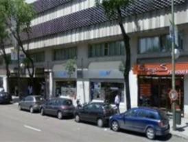 Atracan una perfumería en Retiro y obligan a sus empleados a cargar el material robado en coches