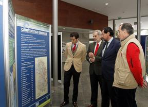 El viceconsejero Enrique Ruiz durante la inauguración