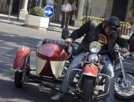 Ruta de motos clásicas en el distrito de Barajas