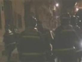 Tres heridos leves por una explosión en Vallecas