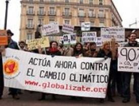 Ecologistas se manifiestan contra el cambio climático