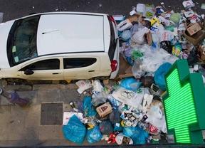 Montones de basura durante la huelga de limpieza de 2014 en Madrid