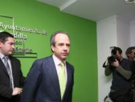 González Panero es expulsado del grupo popular de Boadilla sin que deje el acta de edil