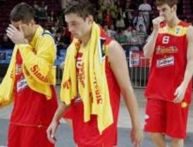 España da la sorpresa inicial al perder contra Serbia